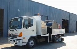 Crew Truck with 2000L Emulsion Spray Tank