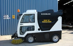 ZOOMLION SMALL SWEEPER 2